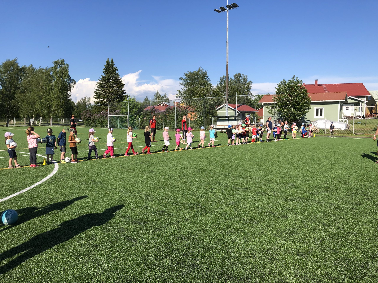 Fotbollsskola för barn födda 2014-2016, 20.6. kl 18-18.45