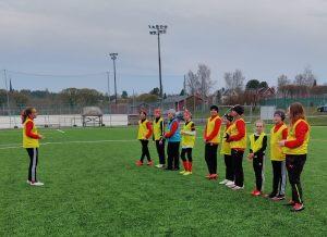 Sportingin tyttöjoukkue T12 avaa jalkapallokautensa lauantaina (Brahekenttä, klo. 15.00)