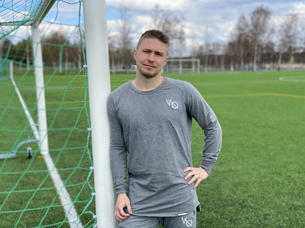 """Jere jobbar som fotbollsspelare: """"Division 3 ser inte så bra ut i mitt cv"""""""